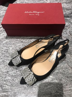 Salvatore Ferragamo黑色麂皮方型造型鞋面3.5cm露跟鞋/淑女鞋(8號)~~9.9新己貼底