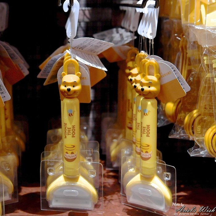 Ariel's Wish-日本東京迪士尼小熊維尼蜜蜂蜂蜜winnie立體大頭造型水果刀削皮刀附收納盒可吊掛式-現貨
