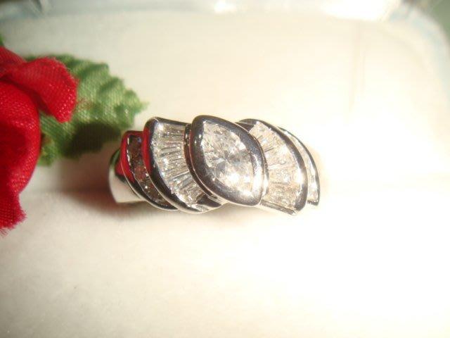 賠售換現白亮F級1克拉鑽石pt900純白金造型鑽戒