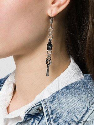 【WEEKEND】 MM6 MAISON MARGIELA 長條 鑰匙 單邊 銀色 耳環