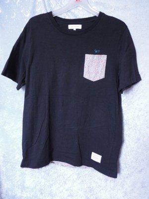 99元起標~WILE BUNCH~小花口袋設計圓領T恤~SIZE:XL