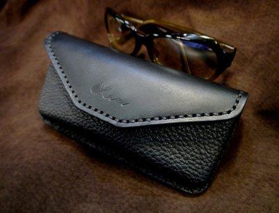 (KH手作皮件台中)全手工訂製眼鏡盒....