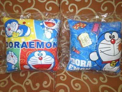 ///可愛娃娃///~中型12吋正版可愛的哆啦A夢/小叮噹方型抱枕~印刷圖案2款---約35公分[台製]