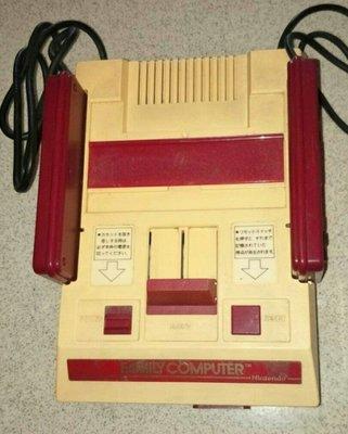 古董紅白機。。。隨機加贈原廠卡帶*5