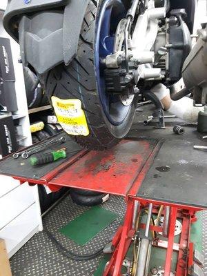 欣輪車業 倍耐力 ANGEL SCOOTER 天使胎 140/70-12 安裝$2700元 BWSR 雷霆 G6 頂客