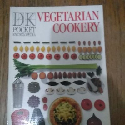 雷根《英文書_Pocket Encyclopaedia of Vegetarian Cookery》#9成新#P901