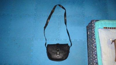 ~保證真品 Aigner 黑色真皮款方包 斜背包 側背包~便宜起標無底價標多少賣多少 台北市