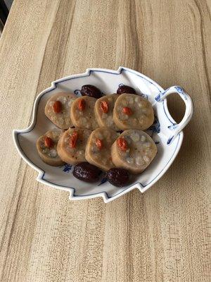 meissen 麥森 水果盤 葉型盤 二級品 長約23公分連柄 寬約19高3.2 大型盤 愛買家族