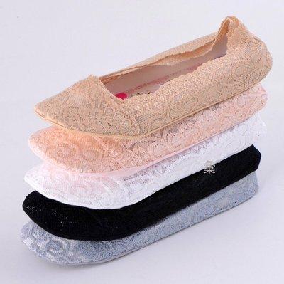 廠商出清~~全蕾絲面 360°矽膠防脫落設計 防滑隱形襪 淺口船形襪 蕾絲船襪【日韓流行】