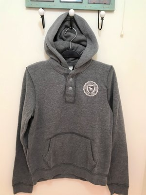 A&F 男童 麋鹿LOGO 貼布 鈕扣帽T 尺寸XL 灰色 全新 現貨