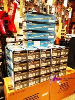 【現代樂器】現貨!Yamaha Flute YFL-212 長笛 加e鍵 ( 211後繼機種 )YFL212