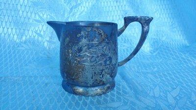 黑色小館4F34~~~~~~~錫合金嘴杯(約高6.5.寬9公分)