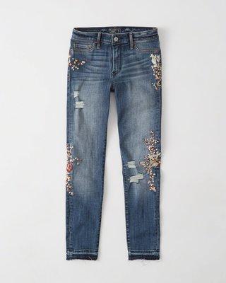 Maple麋鹿小舖 Abercrombie&Fitch * AF 電繡花花圖樣破損風牛仔褲*( 現貨26號 )