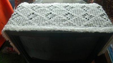 老件手織巾, 優惠售 680元。