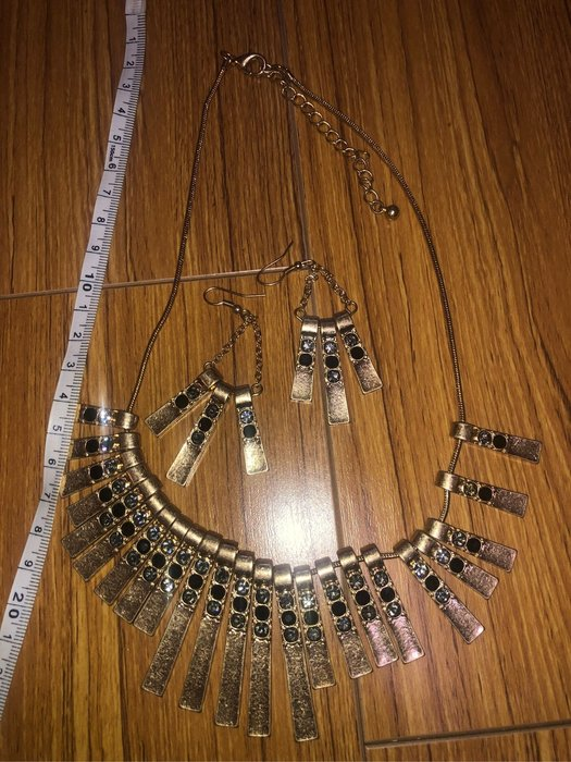 國外帶回時尚水晶項鍊+耳環