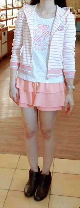Scottish house粉橘色褲裙 賣場有Knightsbridge