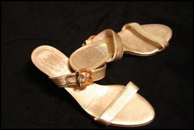 原價$22000近全新Salvatore Ferragamo 金色頂級小羊皮貴氣LOGO拖鞋