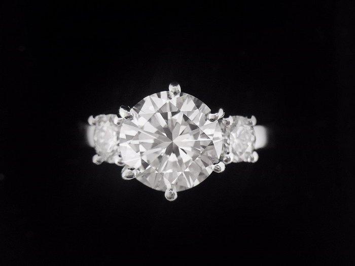 【英皇精品集團 】天然鑽石 造型女戒  2.18CT