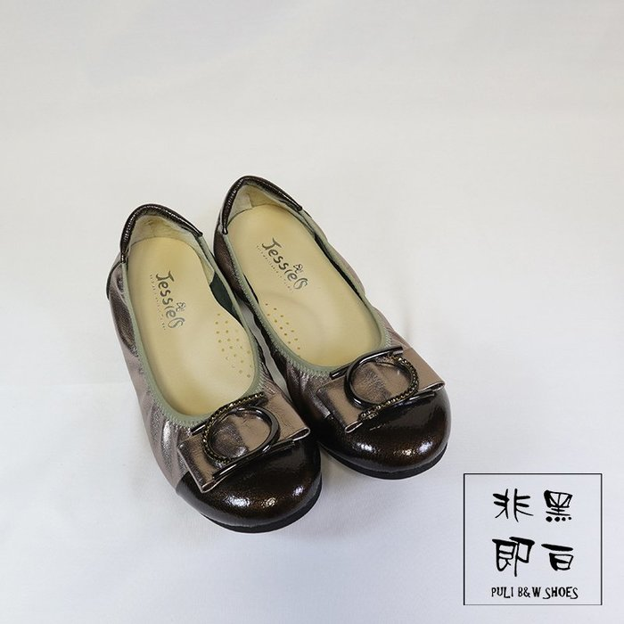 【非黑即白】MIT真皮淑女水鑽休閒平底娃娃鞋 低跟 軟Q 錫金色 310398