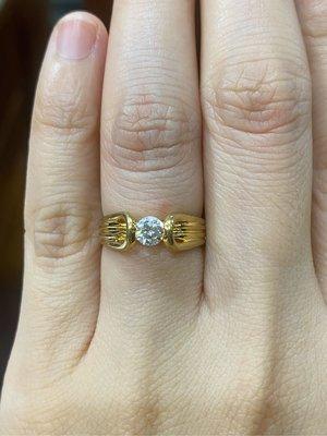 31分天然鑽石戒指,搭配黃K金經典簡單戒台,出清特價15800,只有一個要買要快,鑽石白火光閃,物超所值