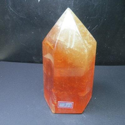 【競標網】天然3A酒黃冰洲水晶柱(K67)1335克(網路特價品、原價1700元)限量一件