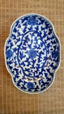 青花 花卉紋碗 (有款)13.6*9.5*5.2cm