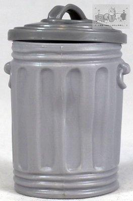 ☆阿Su倉庫☆WWE摔角 Trash Can with Lid 摔角人偶公仔專用 垃圾桶附蓋子道具組 出清特價中