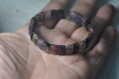 宋家苦茶油Pascibisi.1巴西啪啦利帕特有西瓜碧璽.或稱多色碧璽.宇宙中唯一帶壓電性的寶石.