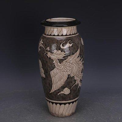 【三顧茅廬 】宋磁州窯白地黑彩雕刻鳳穿牡丹罐子 出土文物古瓷器手工古玩收藏