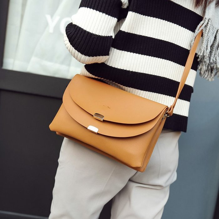 三隔層斜背小方包 斜背包 肩背包 手拿包 手提包 手機包 側背包 大容量 小方包