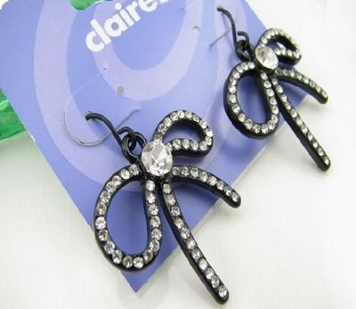 【飾界美~殺很大】歐美品牌 claire s 高質感超閃蝴蝶結造形針式耳環~僅此一對現貨一元起標