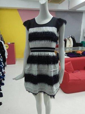 Rola098D黑色L洋裝特價1800含運費