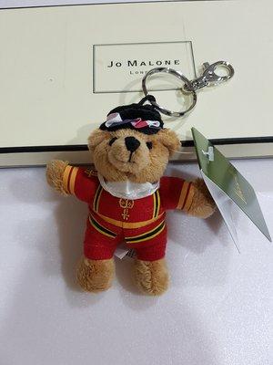 《Amys shop》英國Harrods百貨直購~~Harrods 超可愛紅色皇家衛兵/郵差/風笛手/警察/紅色衛兵小熊鑰匙圈~現貨