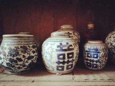格格傳藝坊~婚禮囍字收藏~民間青花瓷纏枝牡丹蓋罐囍字罐~1個特價:750元!