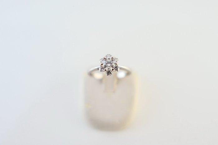 [吉宏精品交流中心]31分 天然鑽石 GIA G/VS1 3EX 八心八箭 YUDOLE 白K金 戒指(盒卡全)