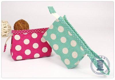 ✿小布物曲✿手作文青手拿包- 精巧手工車縫製作 進口布料質感超優 2 色