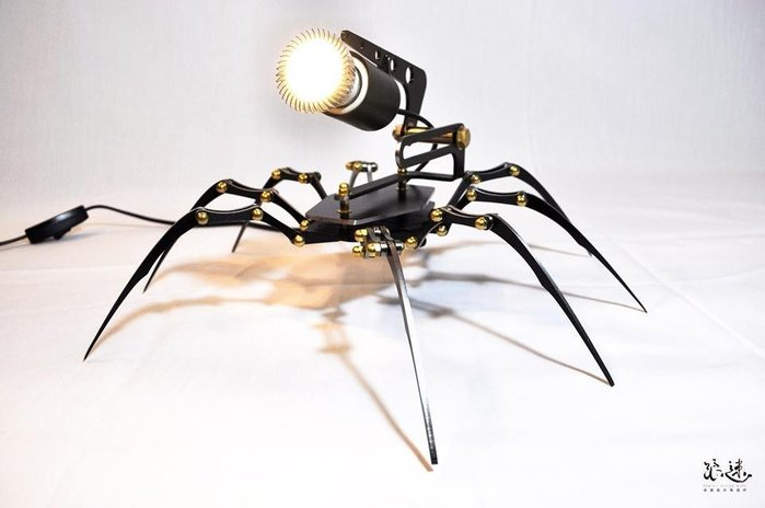 (I LOVE樂多)台灣設計製造Arachnē Lamp 蜘蛛展示投射燈  氣氛燈 手工裝配