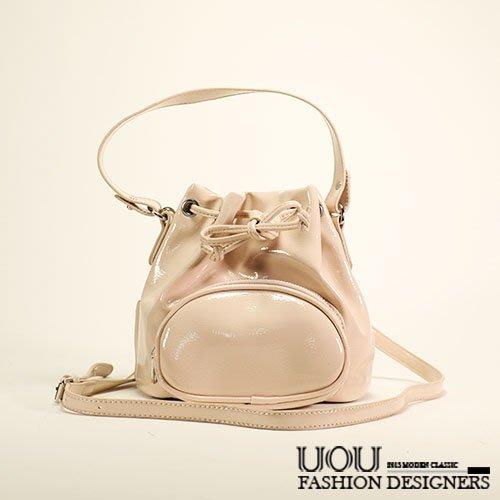 *UOU精品*韓國時尚款 質感漆皮抽繩束口側背包斜背包水桶包(附斜背帶)‧2色/K007