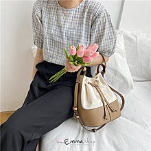 EmmaShop艾購物-韓國設計師款-帆布搭撞色皮革水桶包/肩背/手提
