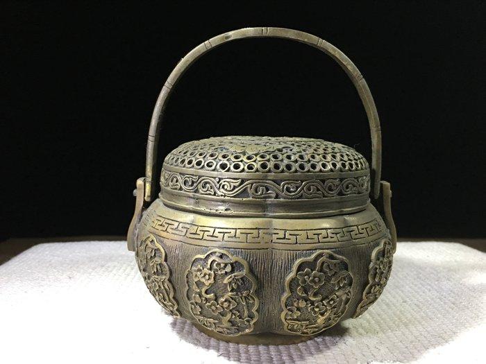 *藏雅軒*鏤雕銅雕製品-富貴花開提樑淨香爐