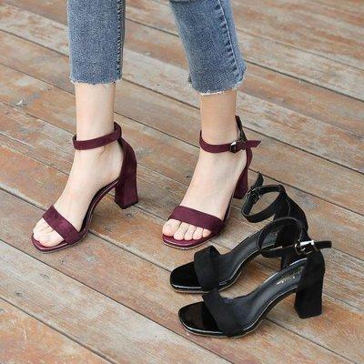YEAHSHOP 涼鞋女夏2018新款中跟粗跟黑色學生百搭露趾一字扣帶羅馬高跟鞋女196941Y185
