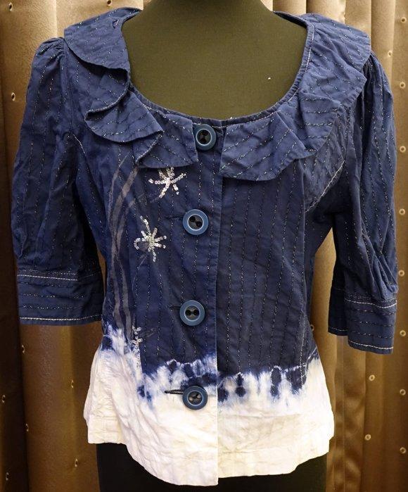 約五六成新 BERNIS 藍色配白色甜美風公主袖荷葉邊很有腰身的上衣或外套,可正式也可休閒,只穿過一季!免運!