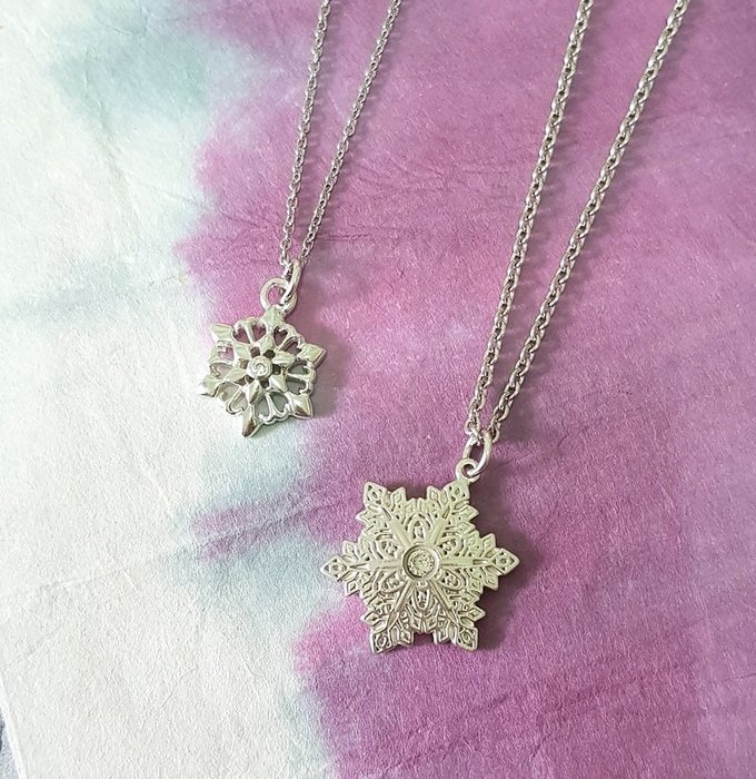 奧嘉精品工作室 Martina Olga 925純銀飾 精細雕花雪花晶鑽項鍊對墜 鑽色可換