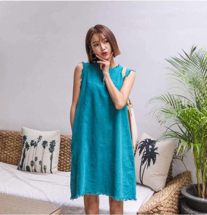 美麗喵。現貨。韓國製 夏 鬚鬚邊 後扣設計 側口袋 簡約俏皮無袖洋裝(4色)