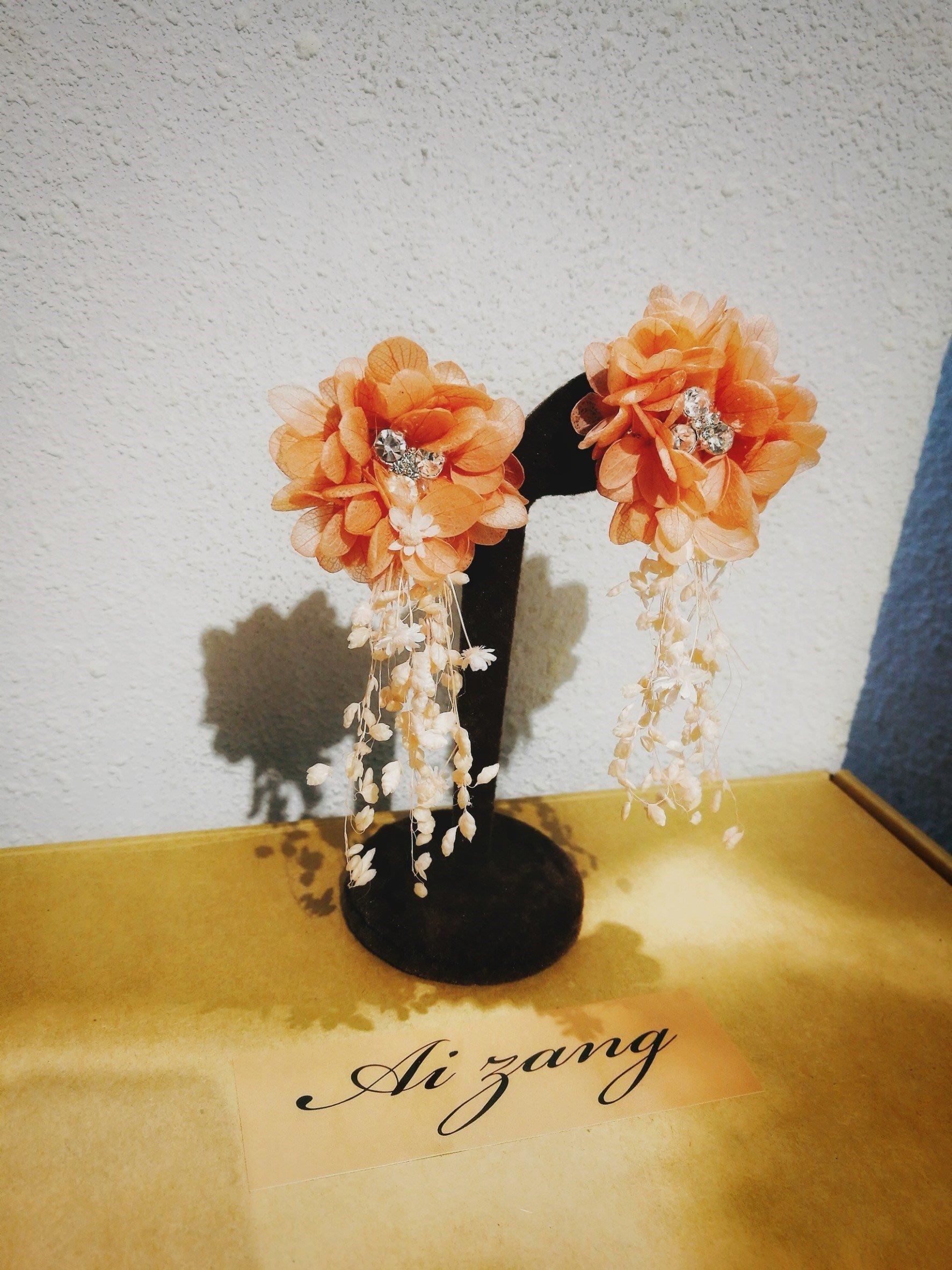 ~璦藏手作飾品~盛宴晶鑽花瓣手工乾燥花耳環(橘紅) 編號QQ32