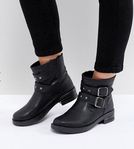 ◎美國代買◎ASOS鉚釘雙排皮扣裝飾鞋面英倫搖滾龐克風鉚釘裝飾雙皮帶扣短筒平底靴~歐美街風~大尺碼