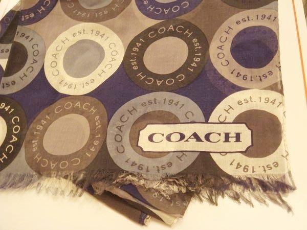 破盤清倉大降價!全新美國品牌 COACH 經典藍白灰色 LOGO 棉質長條型圍巾領巾,低價起標無底價!本商品免運費!