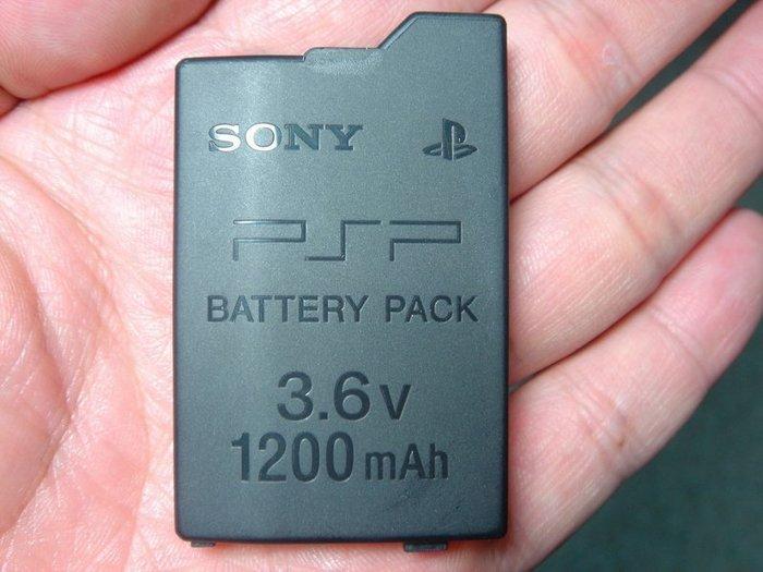 SONY PSP原廠電池 2007/3007薄型主機電池 1200mAh 全新散裝 直購價600元 桃園《蝦米小鋪》