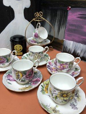 英國經典骨瓷杯盤組-----Royal Albert 手繪月份花系列 (四/五/六/七月)