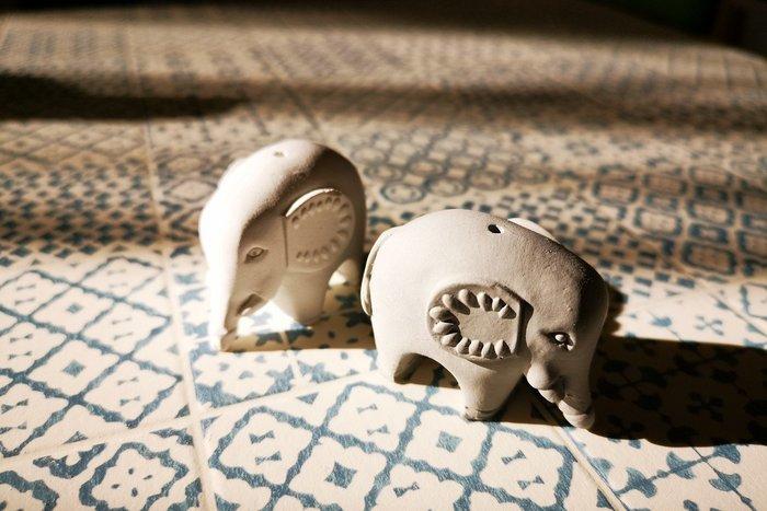 還願佛牌 泰國 佛牌 聖物 親請 供奉 水泥 白 灰 供奉 小象 香插 還願 許願 四面神